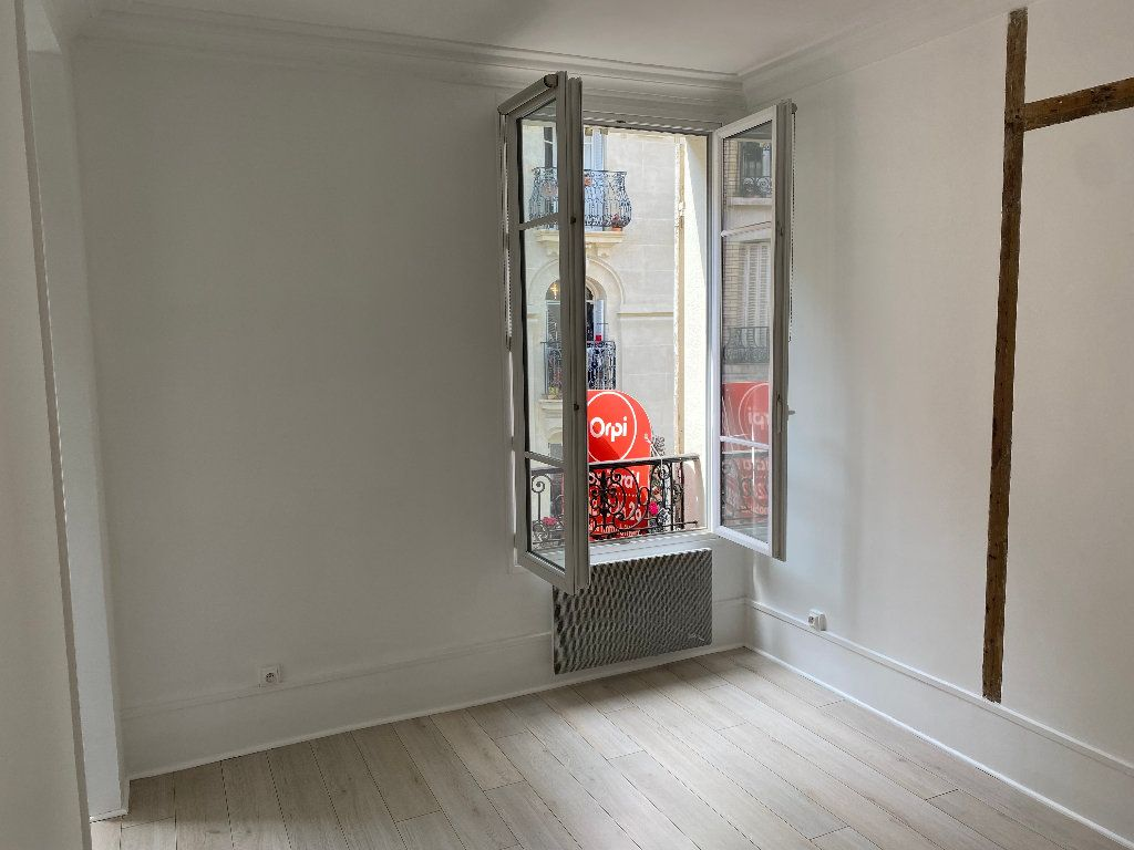 Appartement à louer 1 17.84m2 à Paris 17 vignette-2