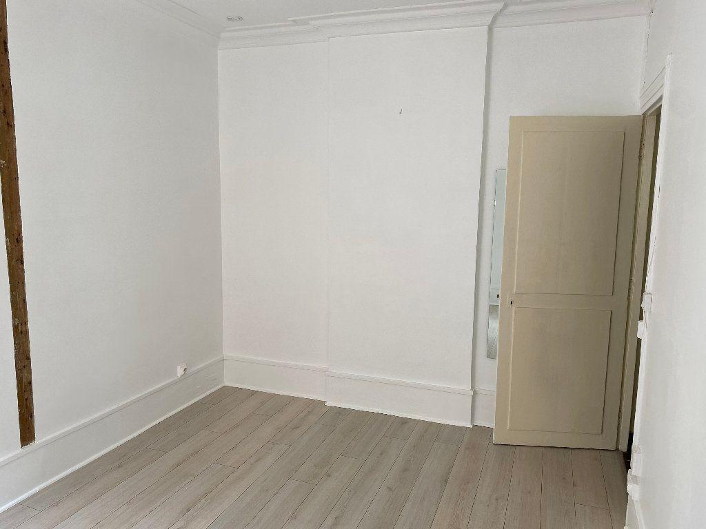 Appartement à louer 1 17.84m2 à Paris 17 vignette-4