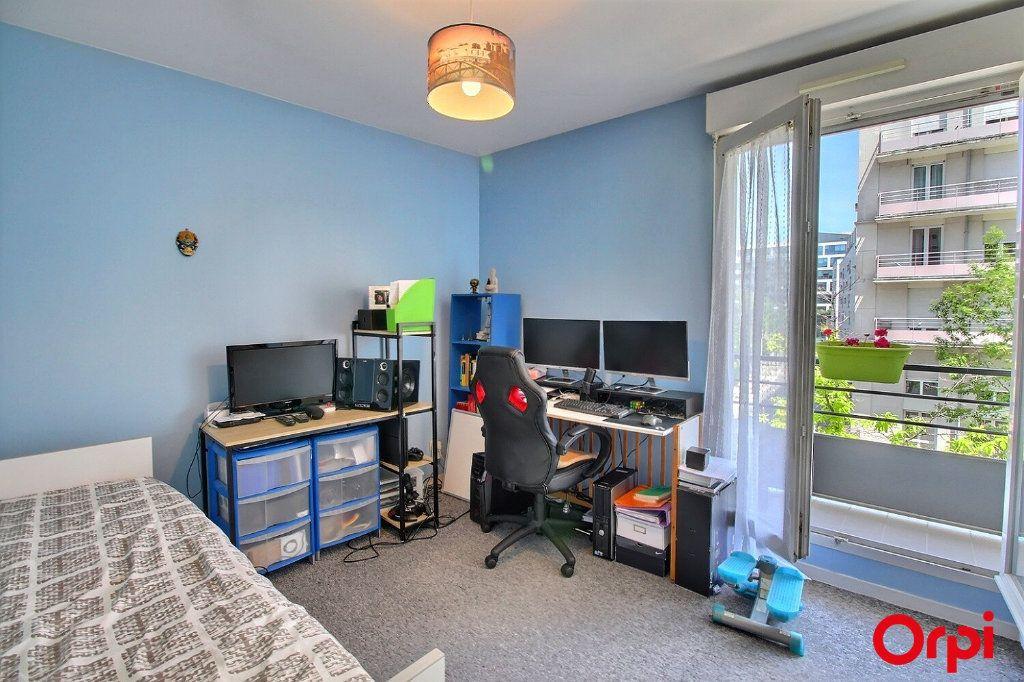 Appartement à vendre 4 86m2 à Clichy vignette-1