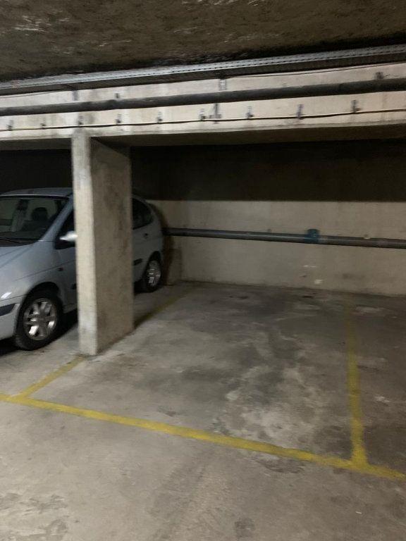 Stationnement à vendre 0 0m2 à Paris 12 vignette-3