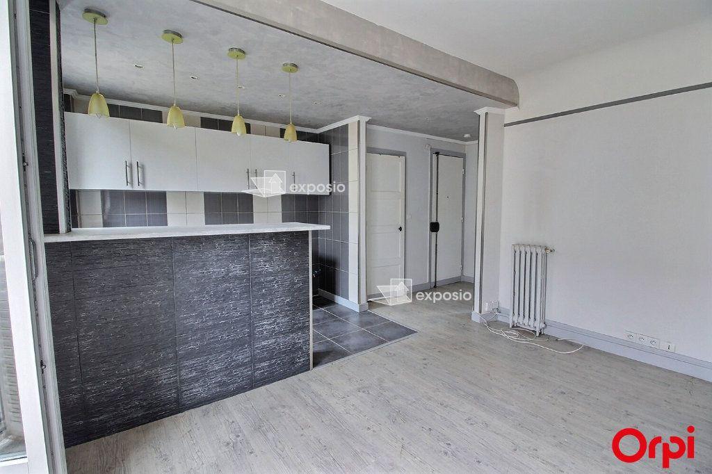 Appartement à louer 2 35m2 à Clichy vignette-1