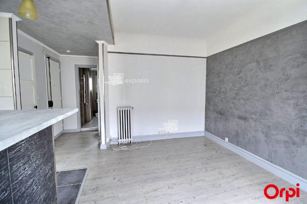 Appartement à louer 2 35m2 à Clichy vignette-2