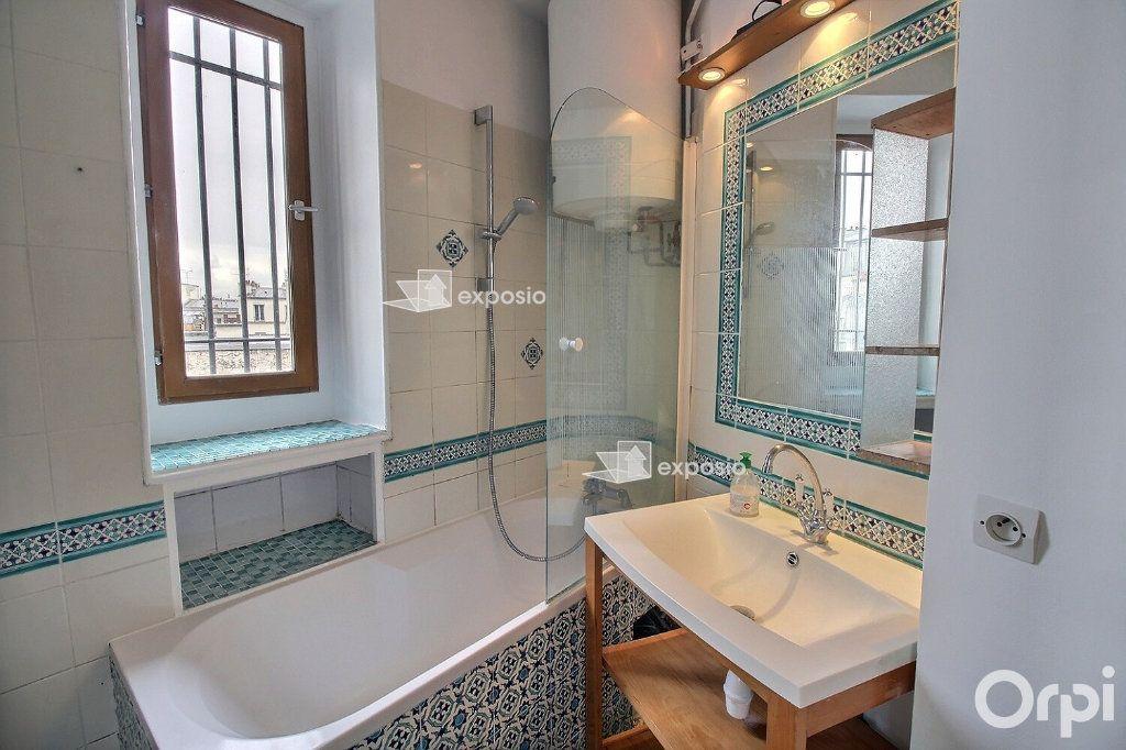 Appartement à louer 3 68.23m2 à Paris 17 vignette-4