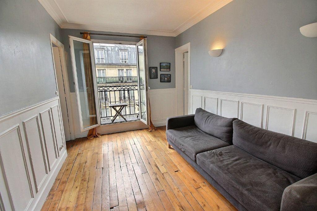 Appartement à louer 3 45.82m2 à Paris 17 vignette-1