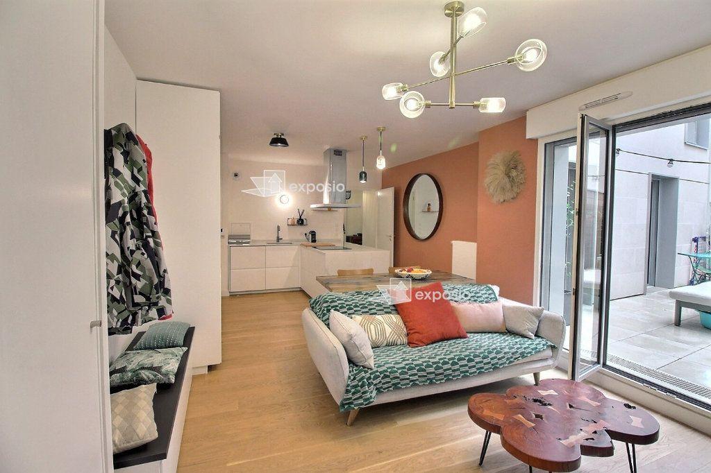 Appartement à louer 3 63.08m2 à Clichy vignette-1