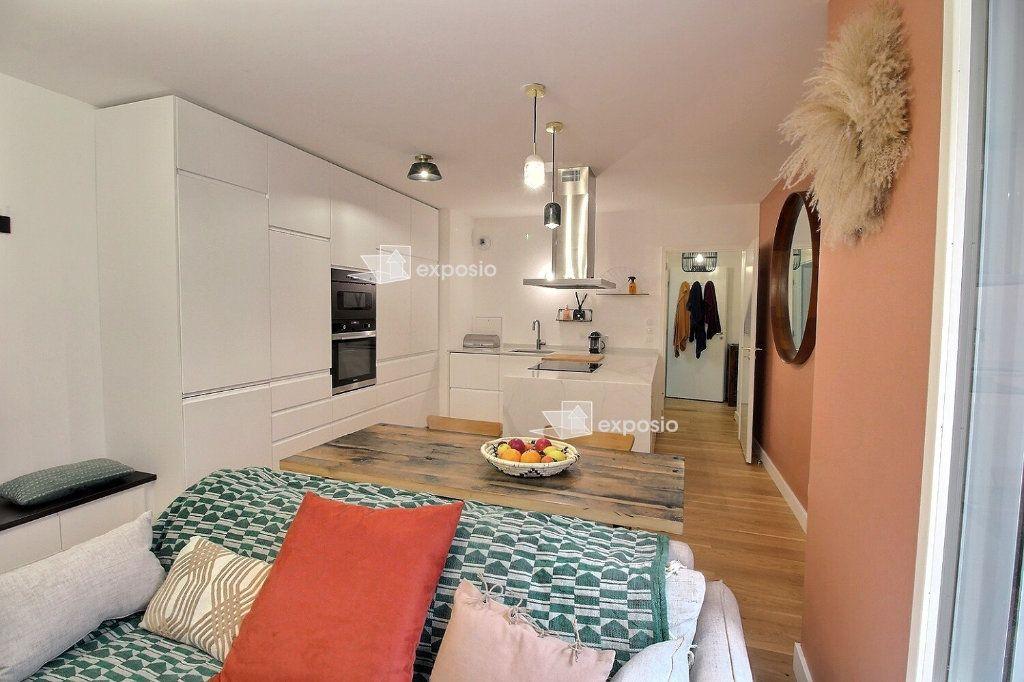 Appartement à louer 3 63.08m2 à Clichy vignette-2