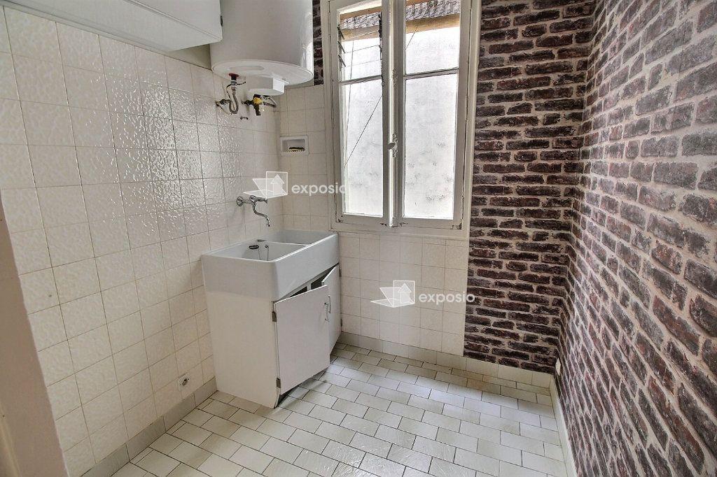 Appartement à louer 2 33.15m2 à Levallois-Perret vignette-8