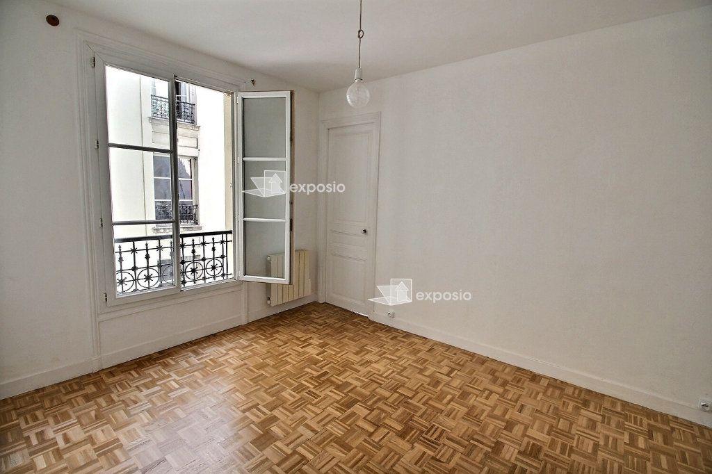 Appartement à louer 2 38m2 à Paris 17 vignette-1