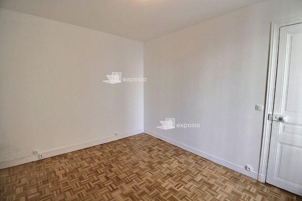 Appartement à louer 2 38m2 à Paris 17 vignette-8