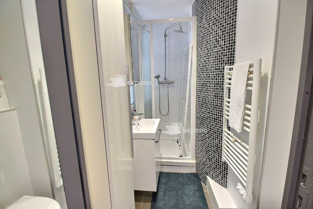 Appartement à louer 1 32.6m2 à Paris 17 vignette-4