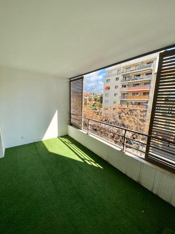 Appartement à louer 2 46.64m2 à Nice vignette-1