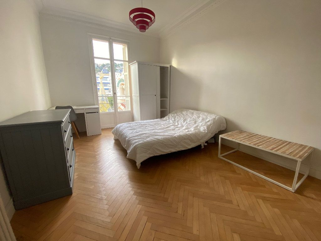 Appartement à louer 1 29m2 à Nice vignette-3