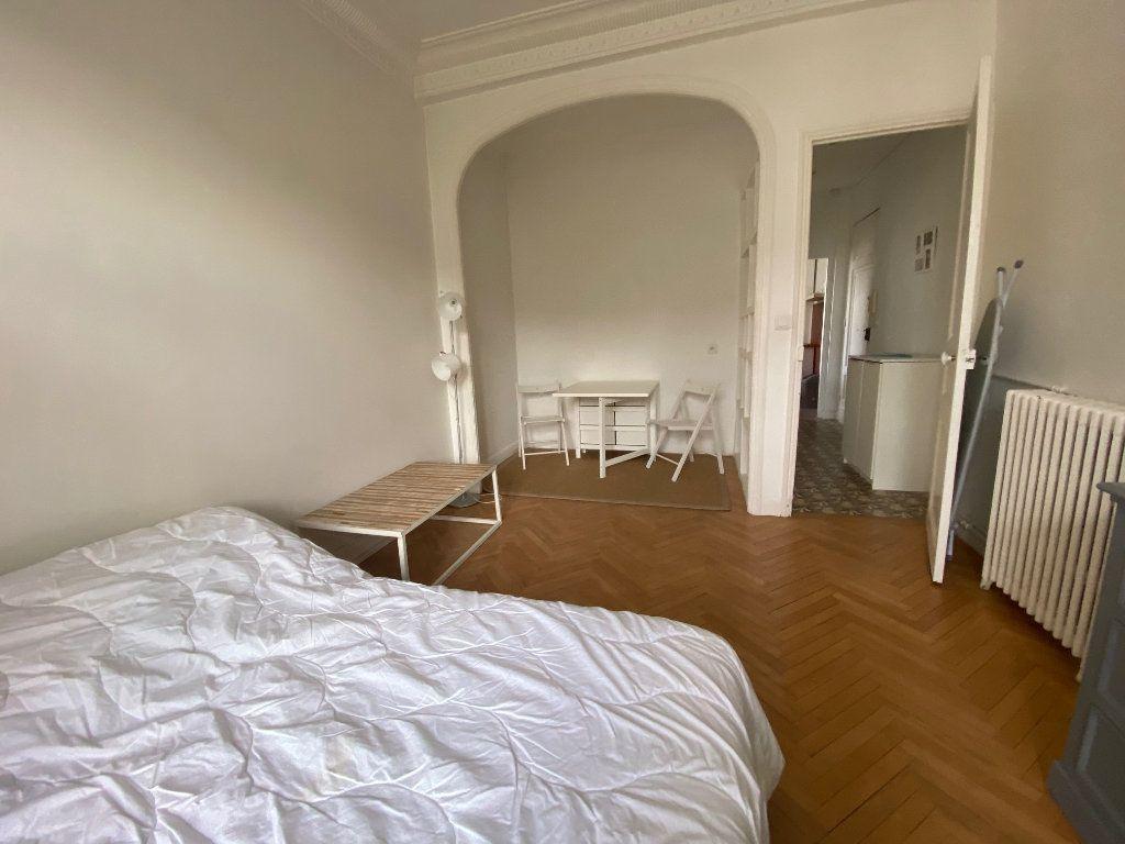 Appartement à louer 1 29m2 à Nice vignette-4
