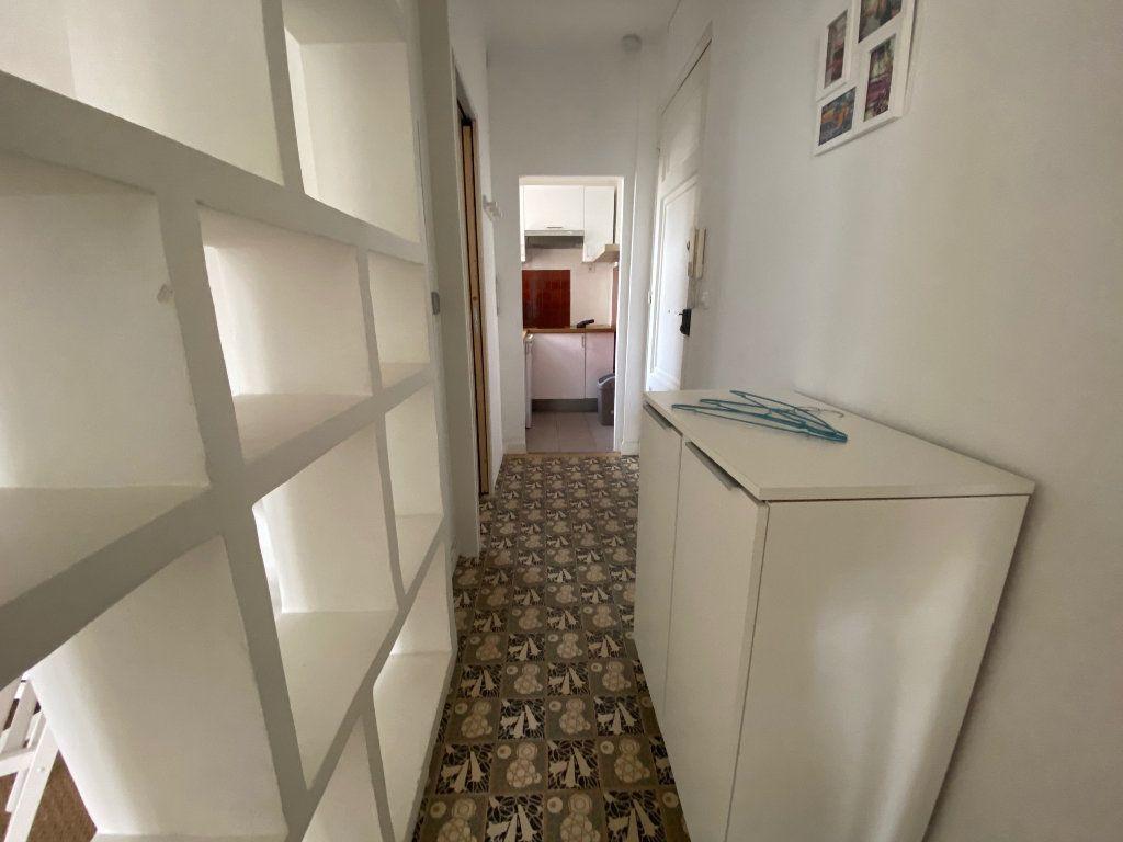 Appartement à louer 1 29m2 à Nice vignette-9