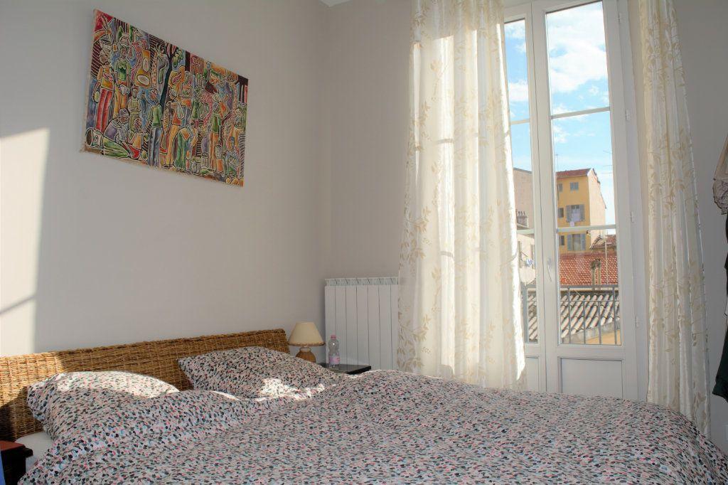 Appartement à louer 3 64.24m2 à Nice vignette-4