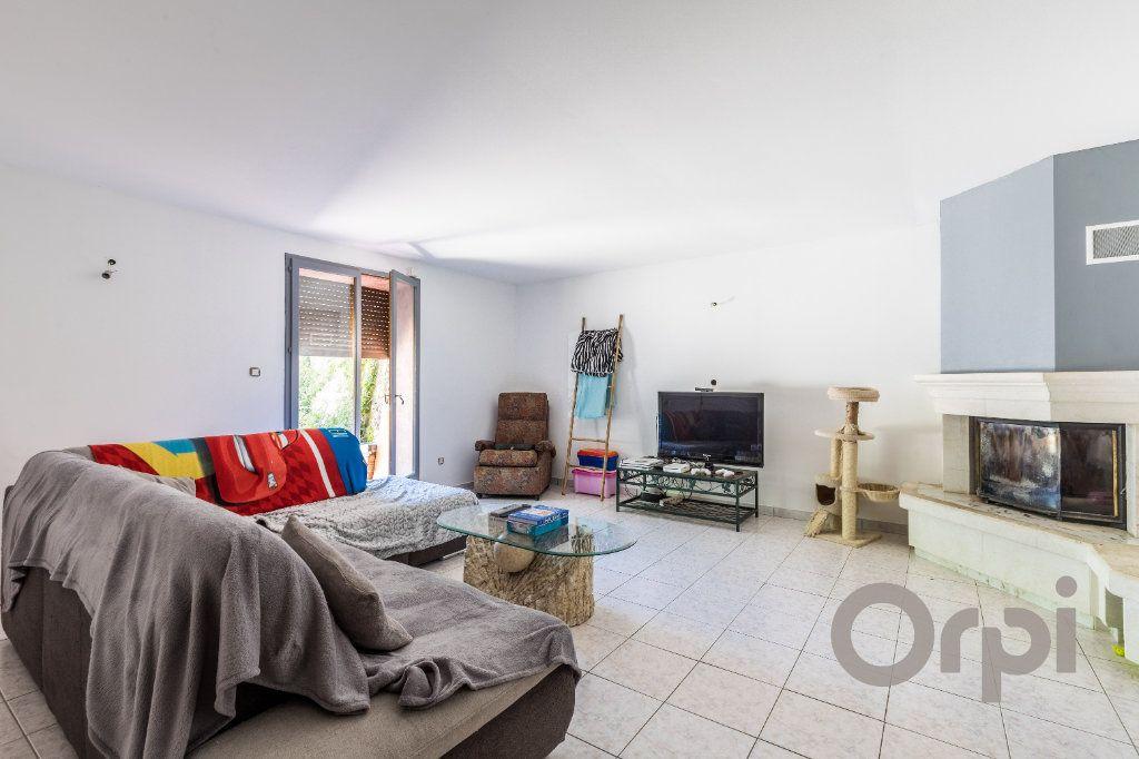 Maison à vendre 6 220m2 à Le Broc vignette-4