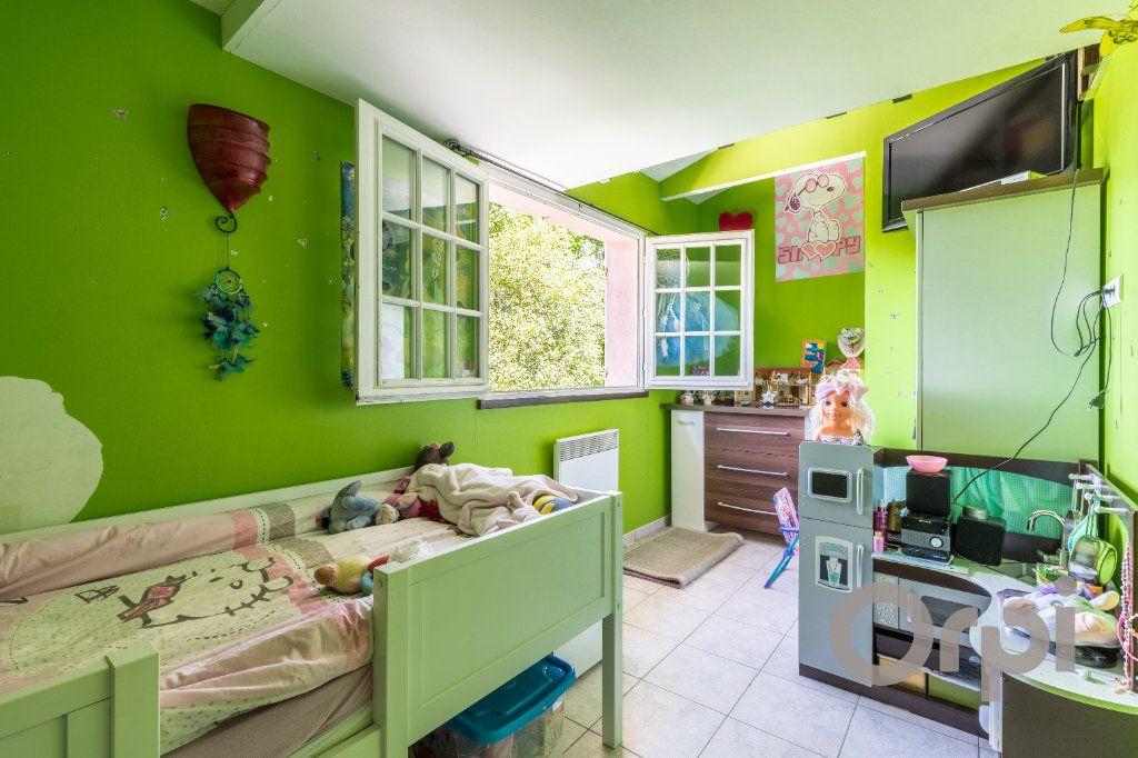 Maison à vendre 6 220m2 à Le Broc vignette-10