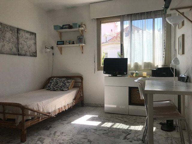 Appartement à louer 1 17.53m2 à Nice vignette-1