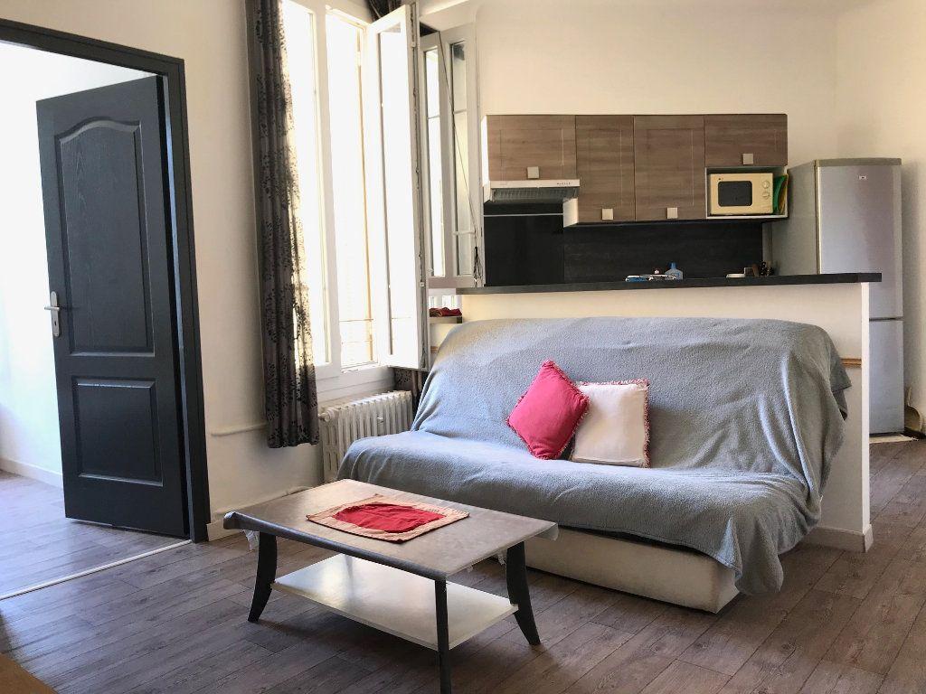 Appartement à louer 2 33m2 à Nice vignette-3