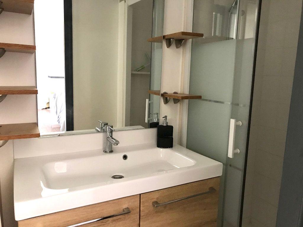 Appartement à louer 2 33m2 à Nice vignette-6