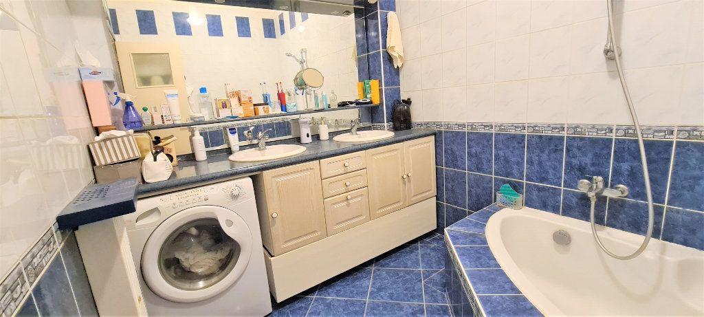Appartement à vendre 3 70m2 à Nice vignette-7