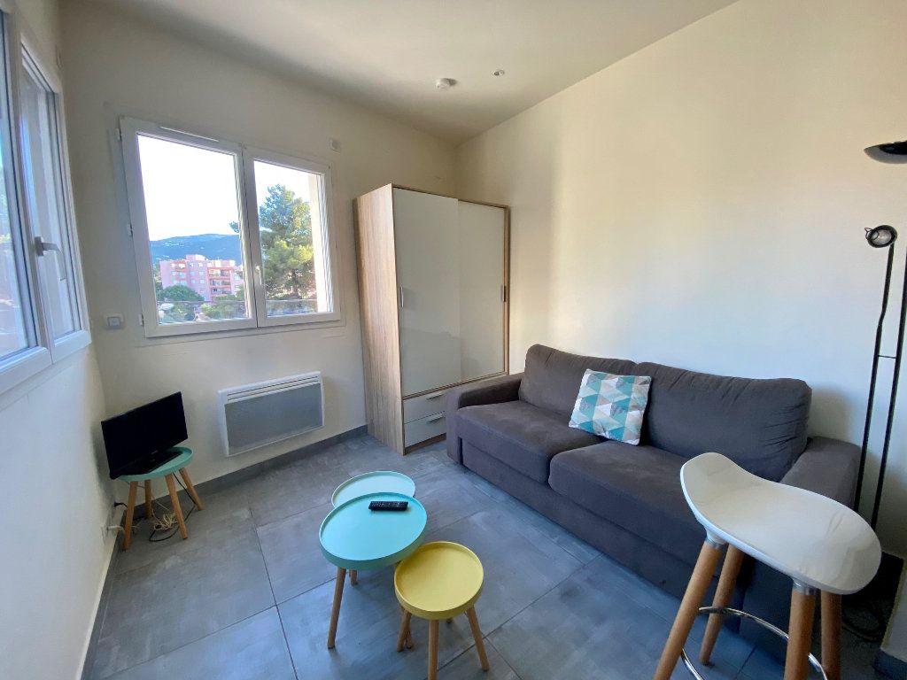 Appartement à louer 1 19.37m2 à Nice vignette-2