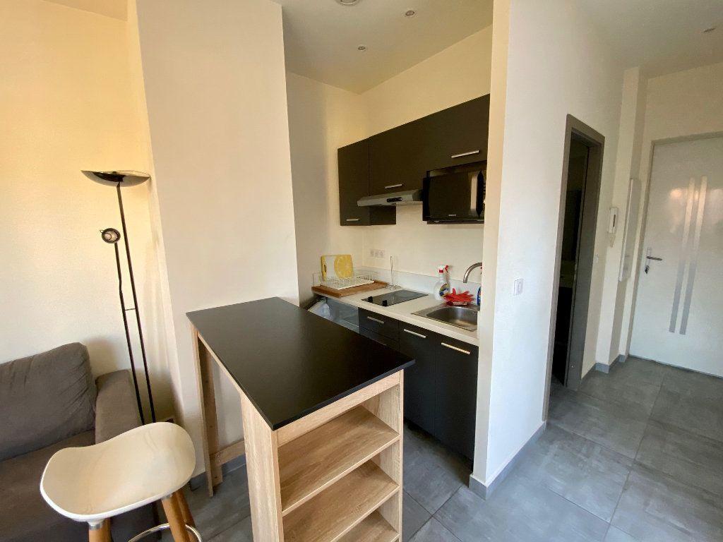Appartement à louer 1 19.37m2 à Nice vignette-4