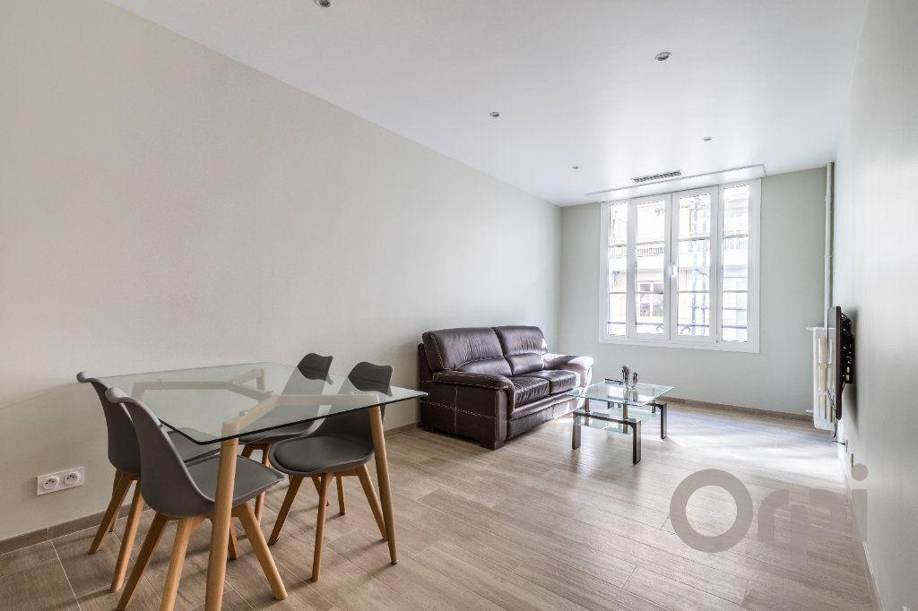 Appartement à louer 3 60.12m2 à Nice vignette-1