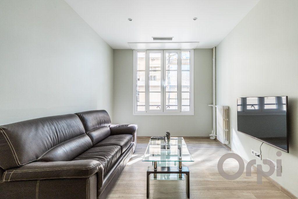 Appartement à louer 3 60.12m2 à Nice vignette-3