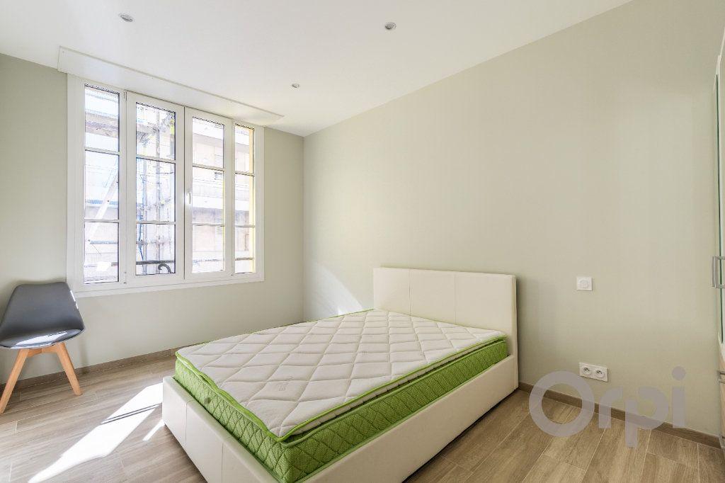 Appartement à louer 3 60.12m2 à Nice vignette-4