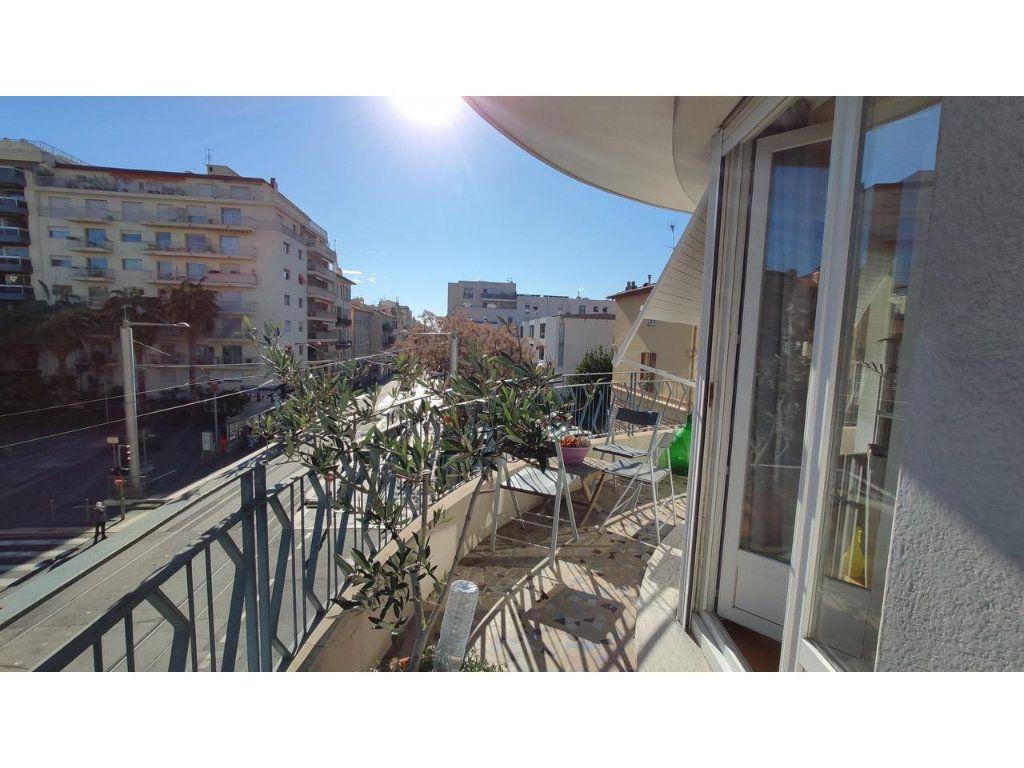 Appartement à vendre 3 101.18m2 à Nice vignette-4