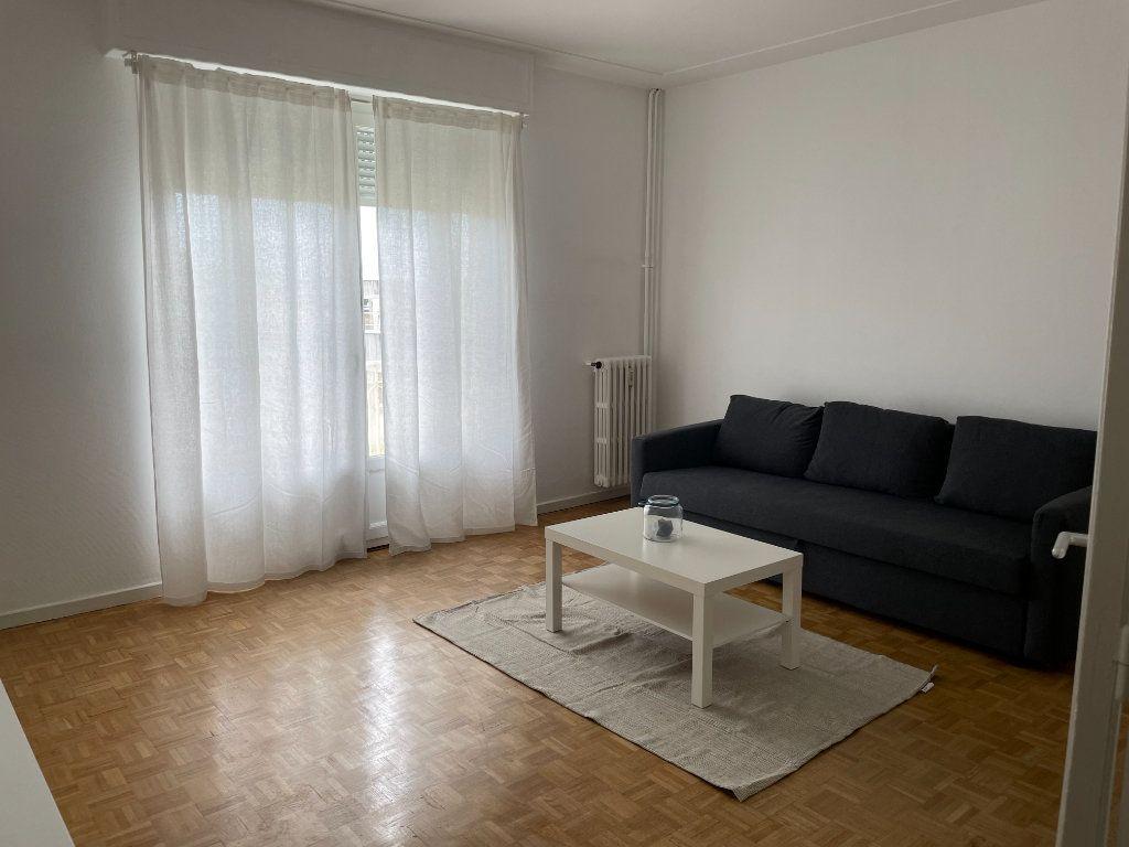 Appartement à louer 2 57.84m2 à Nice vignette-1