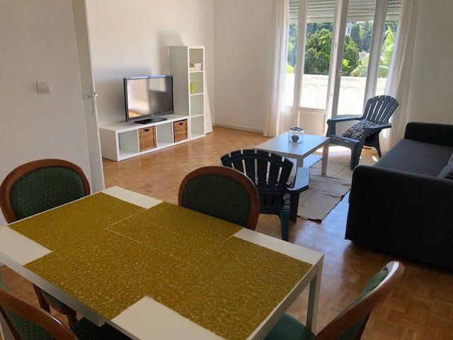 Appartement à louer 2 57.84m2 à Nice vignette-2