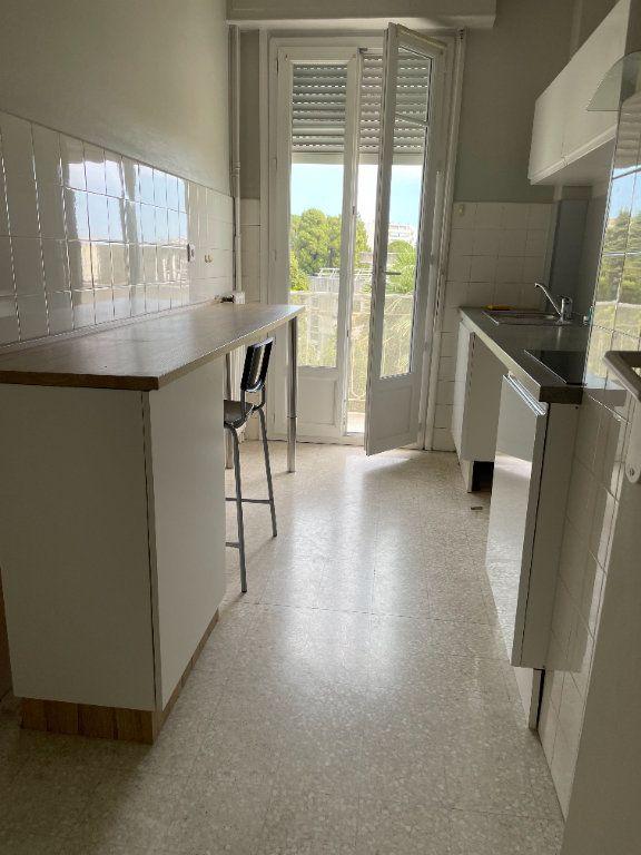 Appartement à louer 2 57.84m2 à Nice vignette-3
