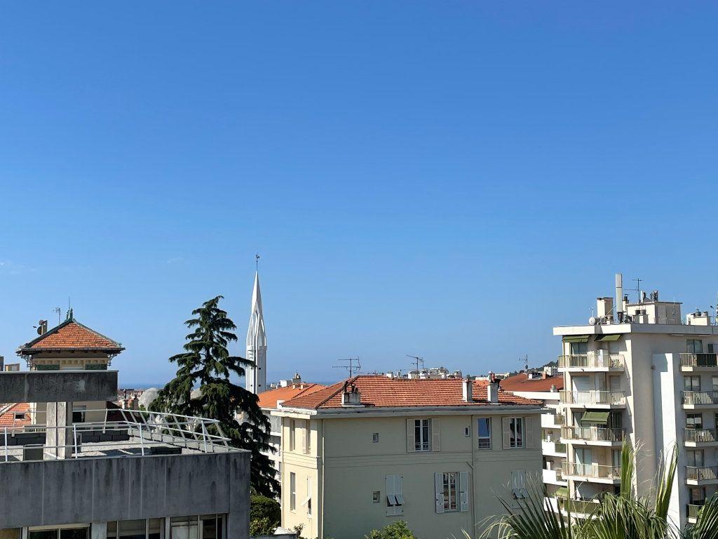 Appartement à louer 2 57.84m2 à Nice vignette-8