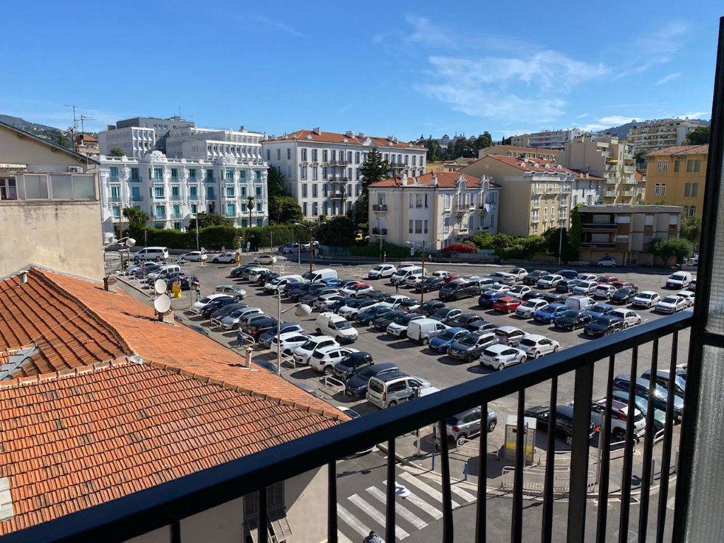 Appartement à louer 2 48.39m2 à Nice vignette-2