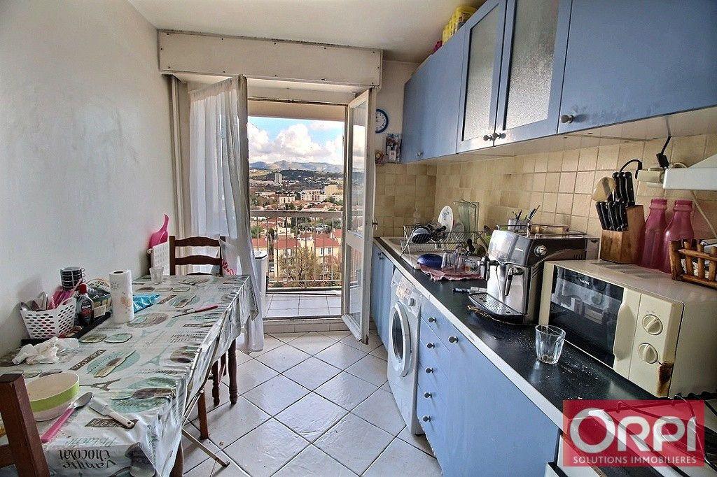 Appartement à vendre 3 61m2 à Marseille 10 vignette-2