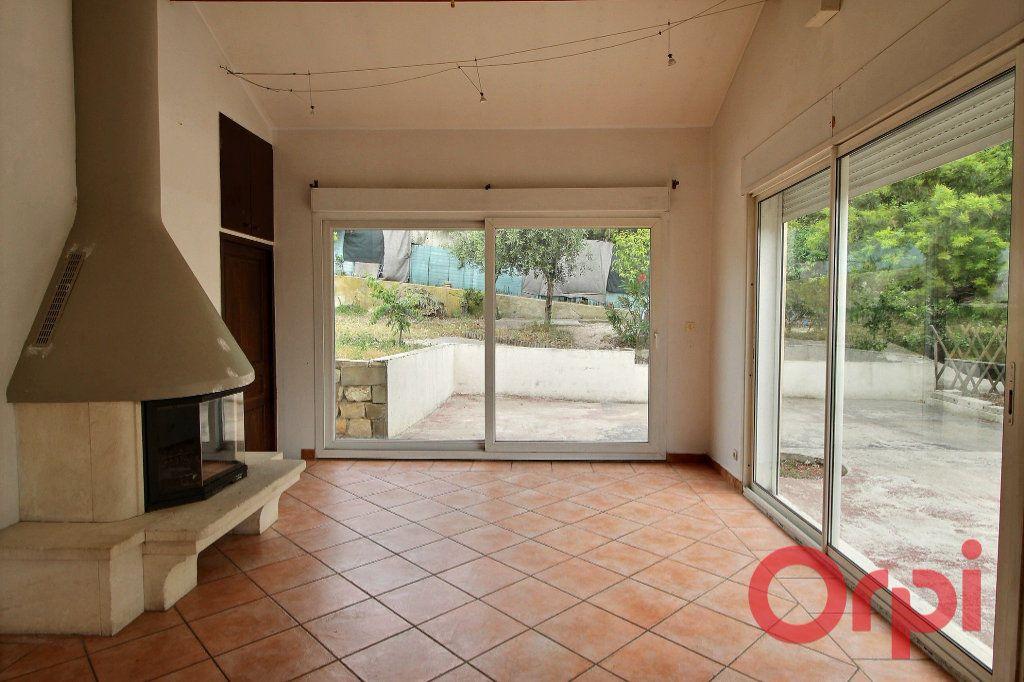 Maison à vendre 6 145m2 à Marseille 10 vignette-5