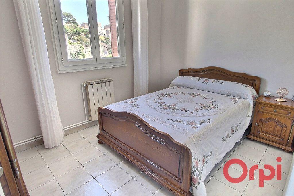 Appartement à vendre 4 65m2 à Marseille 14 vignette-3