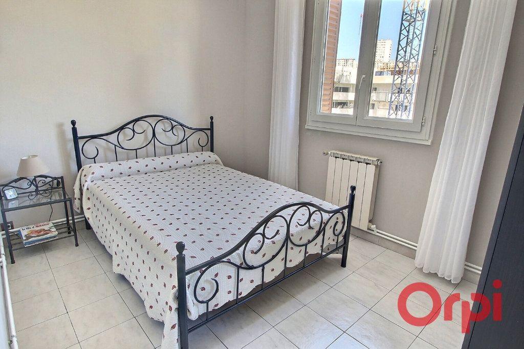 Appartement à vendre 4 65m2 à Marseille 14 vignette-4