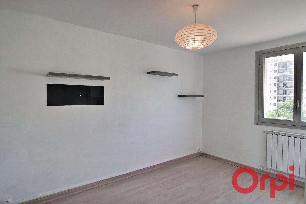 Appartement à vendre 4 66.9m2 à Marseille 10 vignette-1