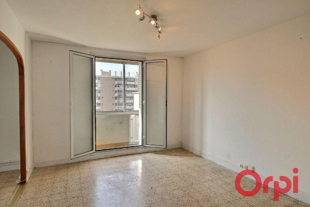 Appartement à vendre 4 66.9m2 à Marseille 10 vignette-2