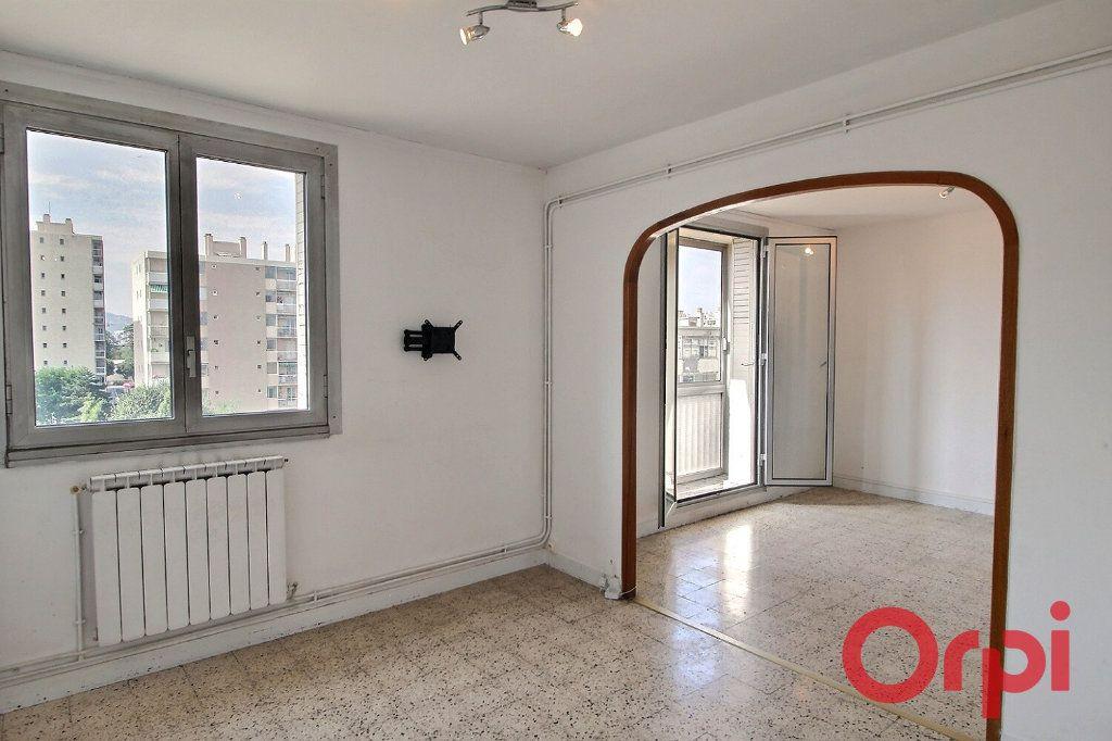 Appartement à vendre 4 66.9m2 à Marseille 10 vignette-3