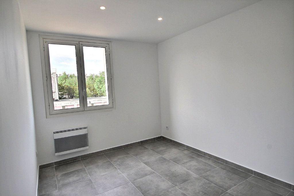 Appartement à vendre 4 67m2 à Marseille 9 vignette-6