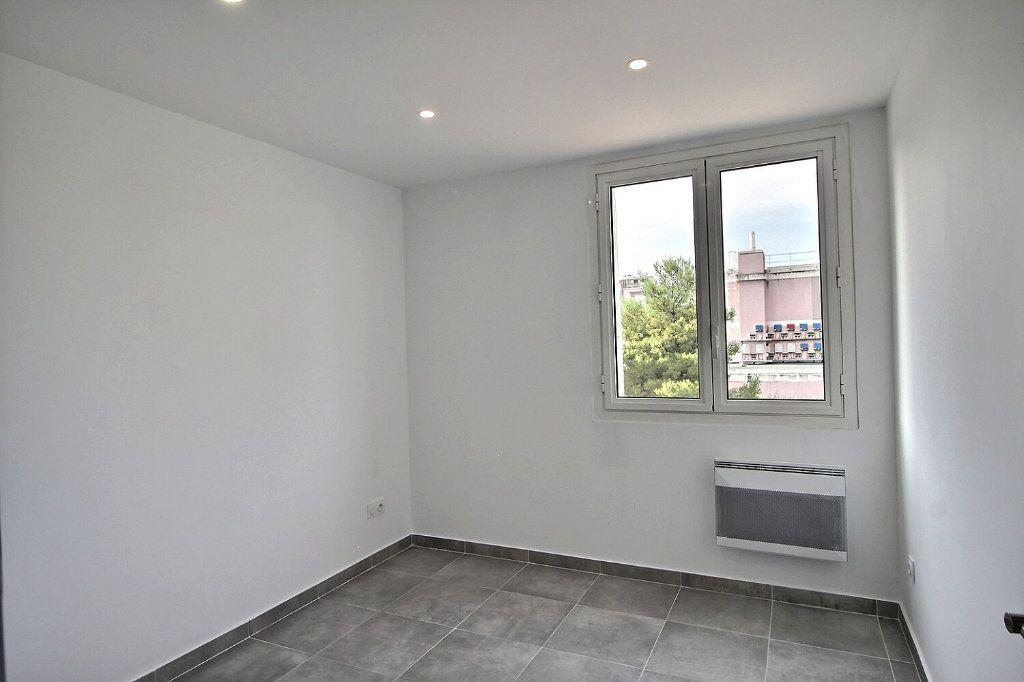 Appartement à vendre 4 67m2 à Marseille 9 vignette-7