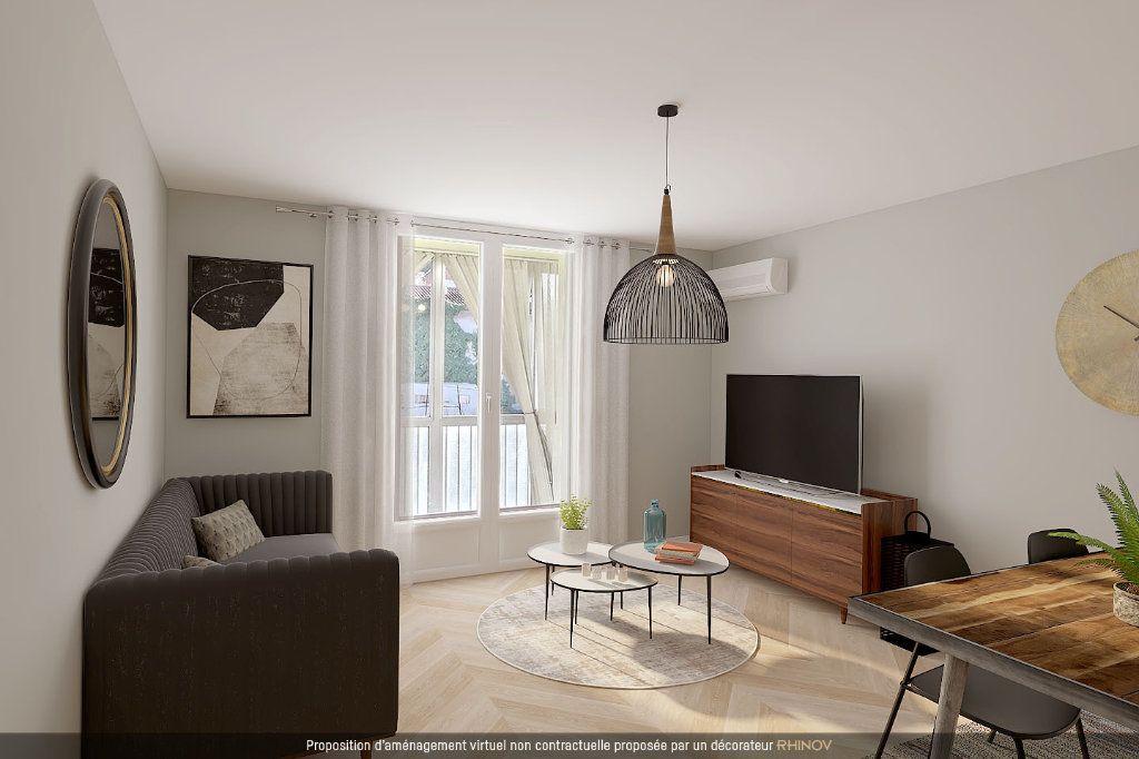 Appartement à vendre 4 70m2 à Marseille 11 vignette-1
