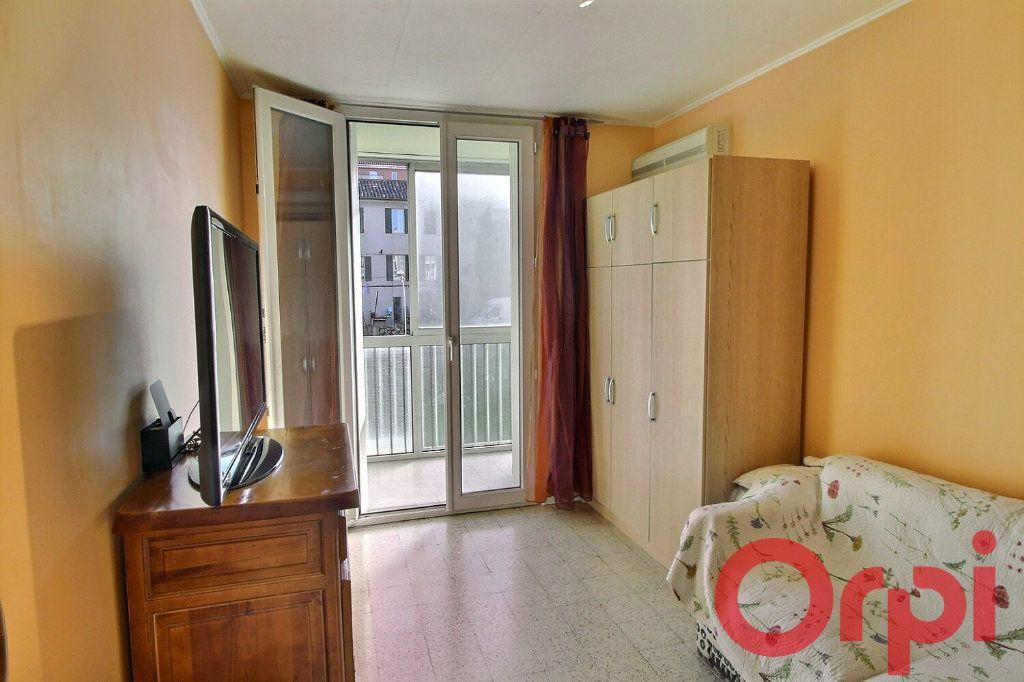 Appartement à vendre 4 70m2 à Marseille 11 vignette-5