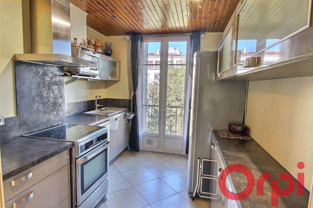 Appartement à vendre 4 70m2 à Marseille 11 vignette-6