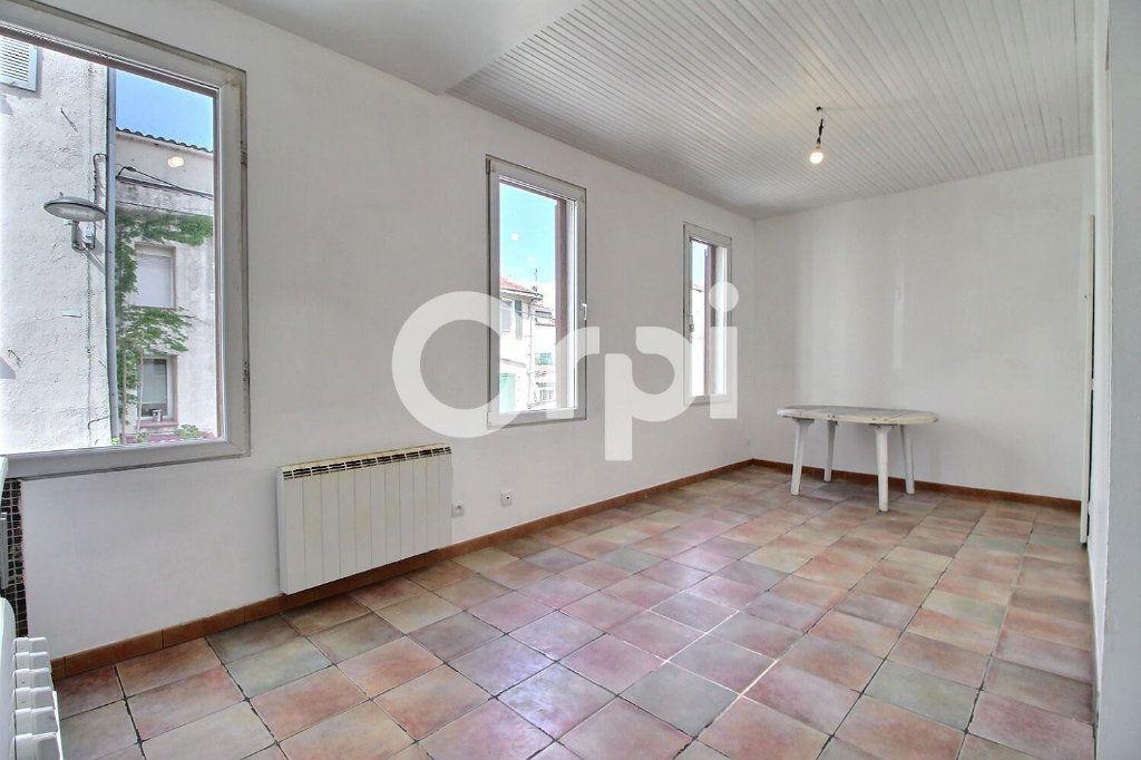 Appartement à vendre 2 30m2 à Marseille 6 vignette-2