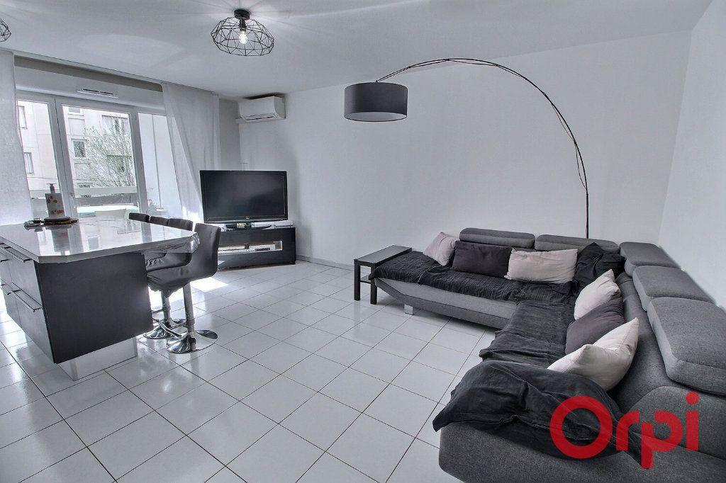 Appartement à vendre 3 65m2 à Marseille 10 vignette-1